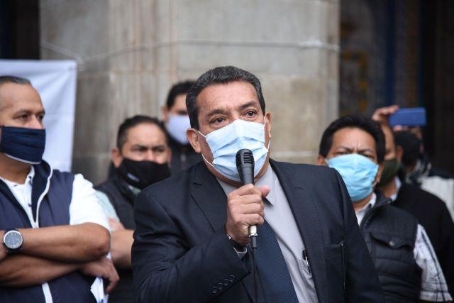 """Francisco Carrasco reclamó: """"Realmente no quieren avanzar en el gobierno y no sabemos si lo que realmente quieren es desaparecer al gremio del transporte colectivo. Si es así, que nos lo digan para saber qué hacer""""."""