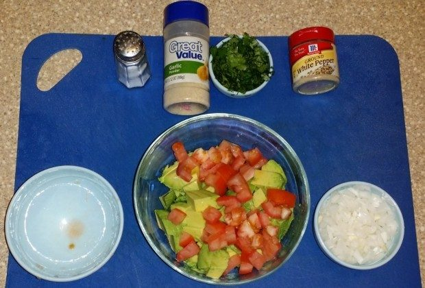 Quick & Easy Homemade Guacamole Recipe