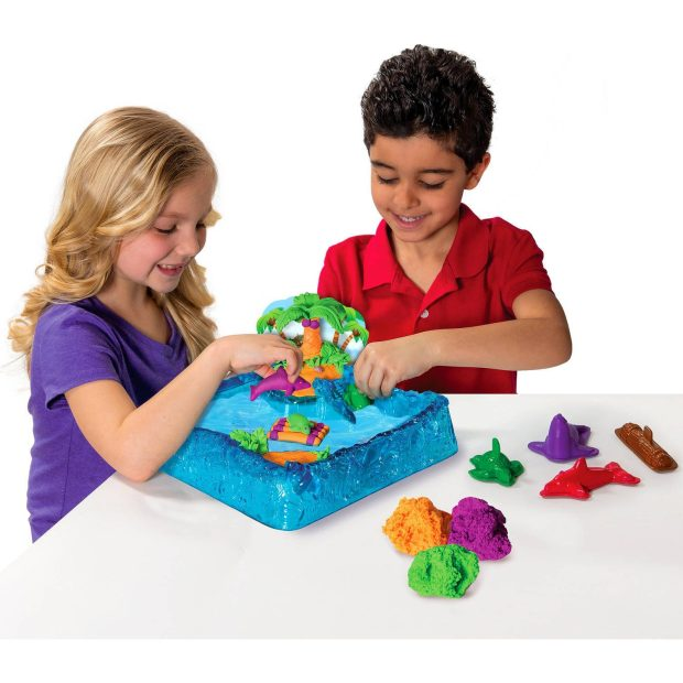 Kinetic Sand Float Paradise Island Play Set Just $9.88 Down From $19.97 At Walmart!