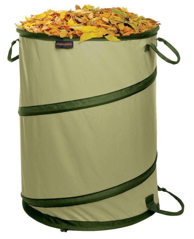 Fiskars 30 Gallon Kangaroo Gardening Bag Only $16.39!