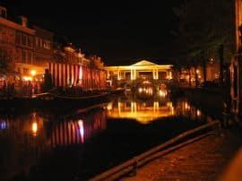 Nachtelijke rondvaart door Leiden