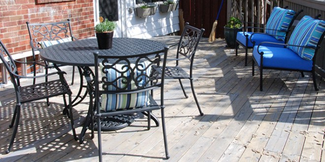 Clean Your Outdoor Furniture