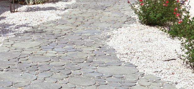 curvaceous garden path