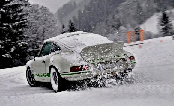 porsche_911_snow