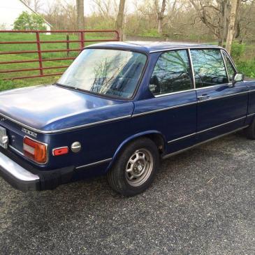1976 BMW 2002 Base Coupe 2-Door 2.0L