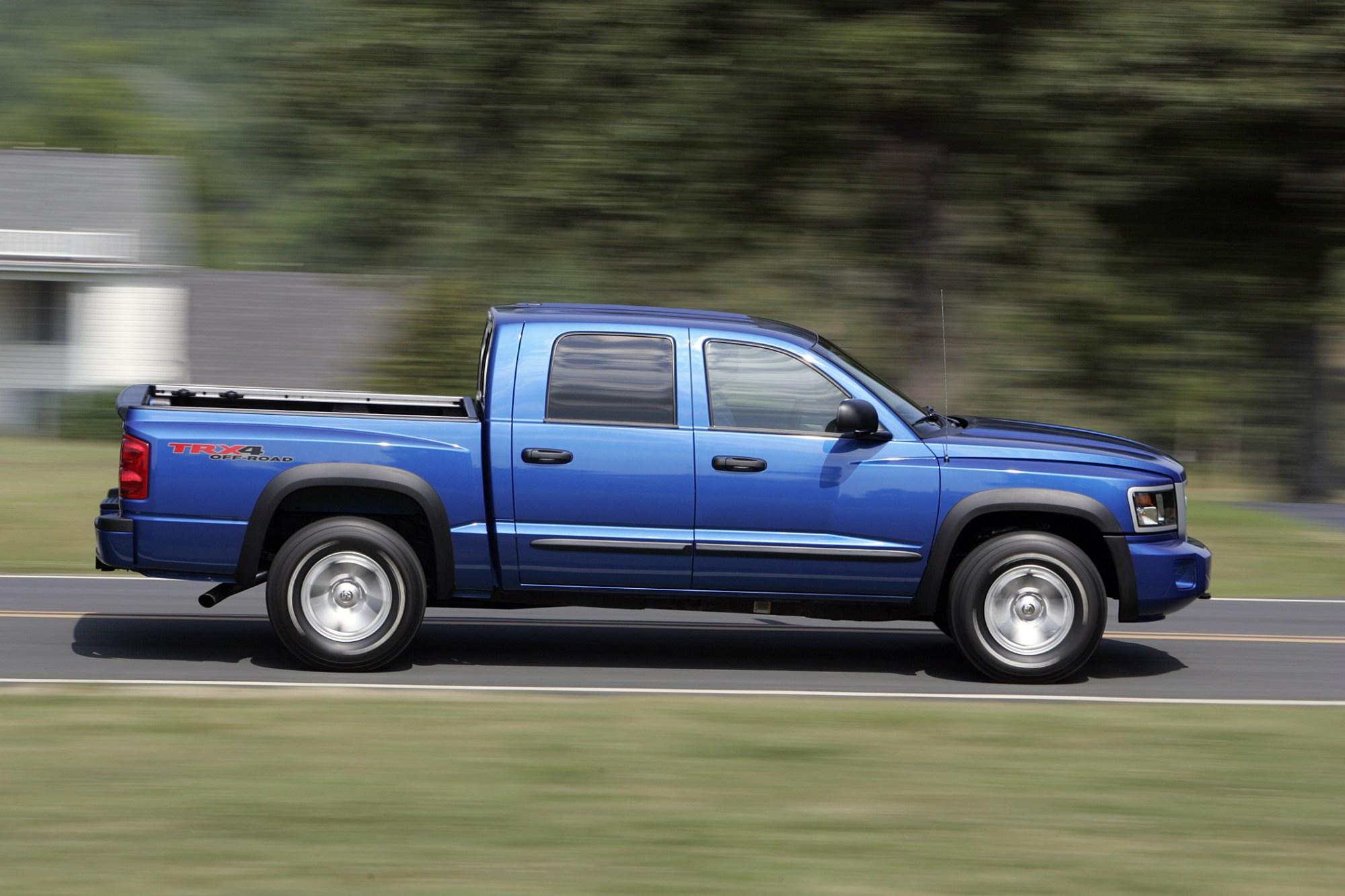 hight resolution of manufacturer photo dodge s 2010 dakota trx4 4x4 crew cab pickup is off road