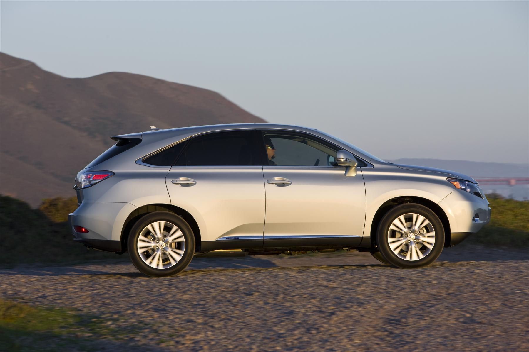 Exploit Nature in Clean Hybrid Lexus SUV Get f the Road