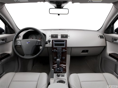 small resolution of 2006 volvo s40 2 4 centered wide dash shot