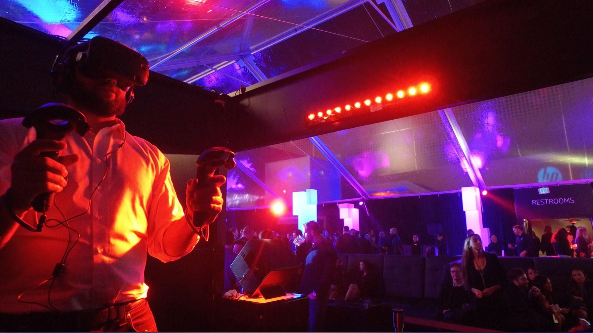 "Groove Jones Multiplayer VR Game Platform ""LightStrike"" at CES"