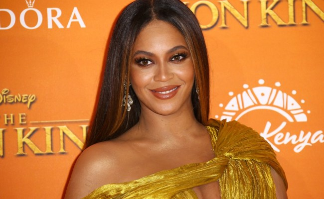 Beyonce Celebrates Early 38th Birthday Backstage At Made