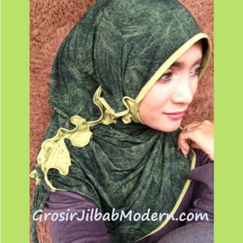 Jilbab Marimar Curly  hijau lumut