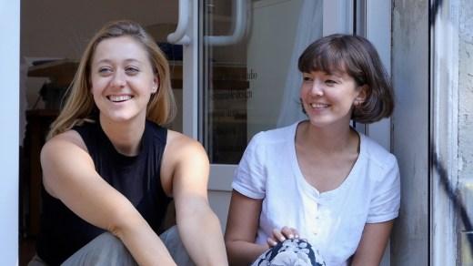 Julia Hermesmeyer und Hanna Sin Gebauer   Dzaino   Upcycling aus Berlin   Crowdfunding auf Startnext   GROSS∆RTIG