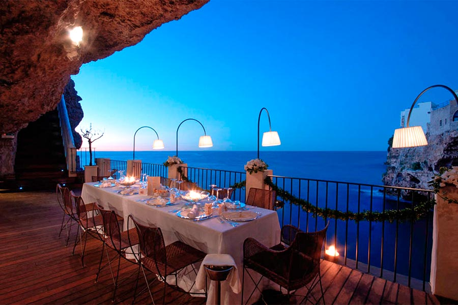Hotel Ristorante Grotta Palazzese a Polignano a Mare  Puglia