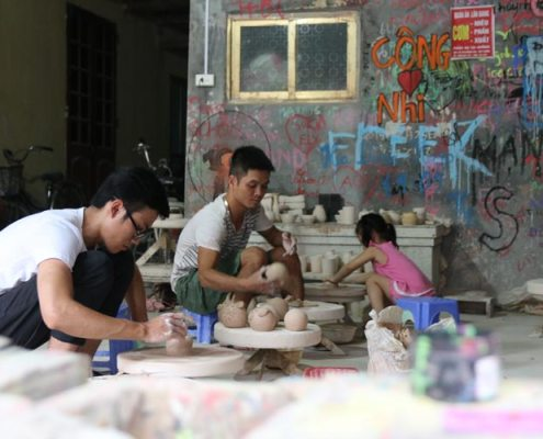 pottery makin in bat trang