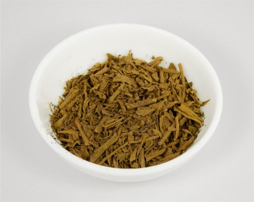 hojicha leaf tea coated with hojicha powder