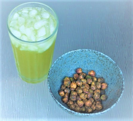 crunchy chickpeas seasoned with matcha