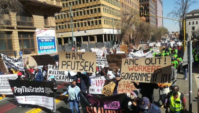 Hundreds protest in JHB against government's response to Covid-19