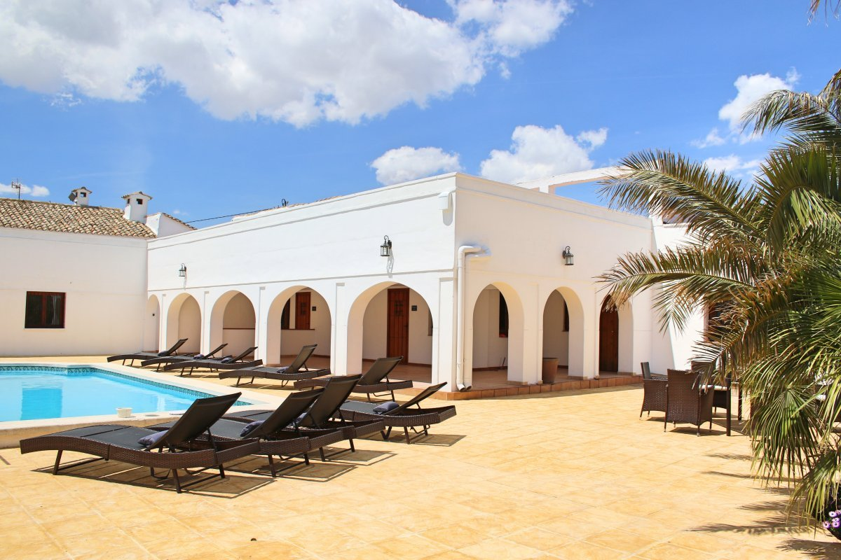 Casa Solariega  Stunning Family Holiday Villa near Alicante