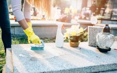 Pour la TOUSSAINT, ICARE Service à la Personne nettoie la sépulture de l'un de vos proches