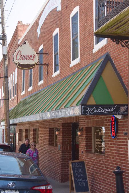 Washington, MO Cowan's Restaurant