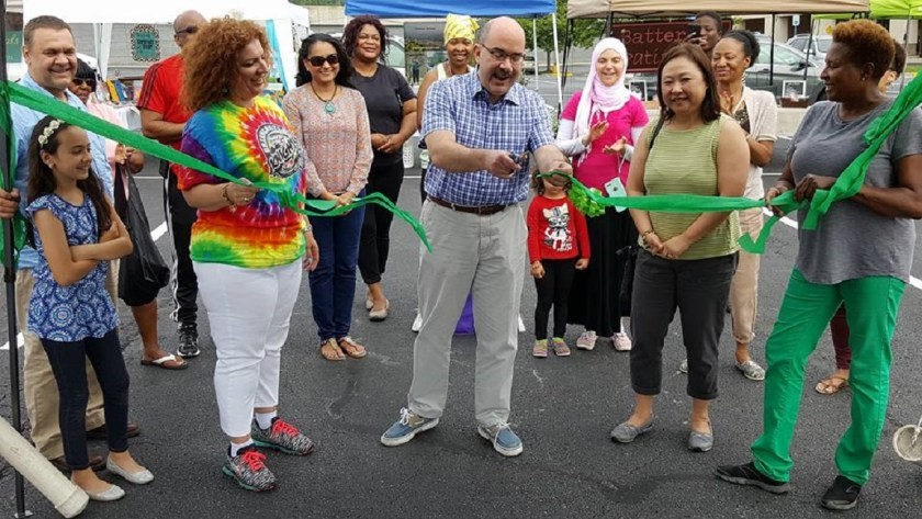 Ribbon-Cutting Ceremony for Farmers Market in Briggs Chaney Marketplace