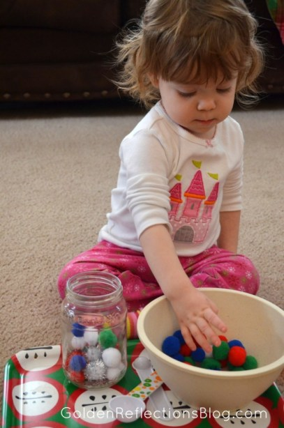 Pre-writing Activities for Kids - Pom Pom Task Tray | www.GoldenReflectionsBlog.com