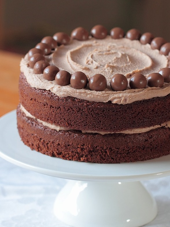 chocolate malteser cake grown to cook. Black Bedroom Furniture Sets. Home Design Ideas