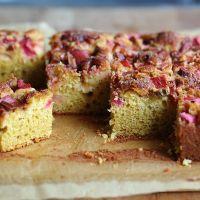 Rhubarb cornflour cake