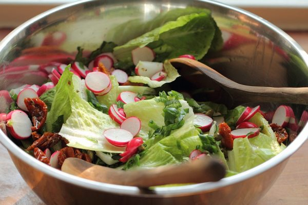 lettuce salad with radishes and spring onions