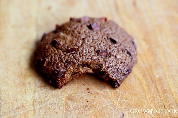 triple chocolate spelt cookie