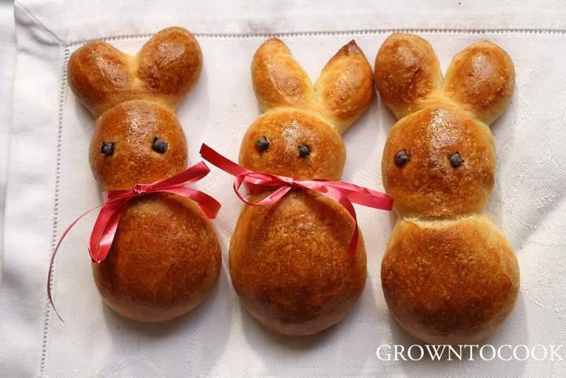 Easter bunny rolls