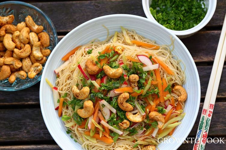 Chinese noodle salad with snow peas and spicy cashews