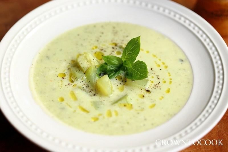 italian courgette basil soup