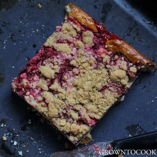 plum kuchen with streusel