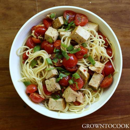 spaghetti with marinated tofu and cherry tomatoes
