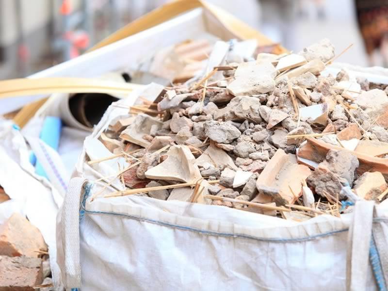 Sacos de escombros