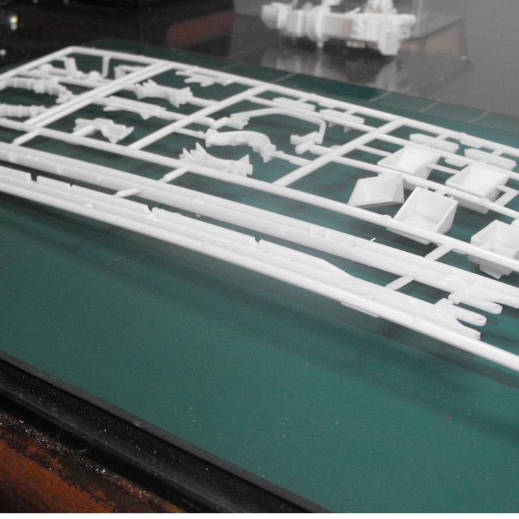 Engine Plastic Diamond Reo Amt