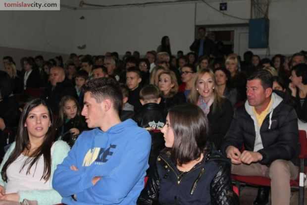 b_800_600_0_00_images_Kultura_Hajduk_Mijat_Tomic_premijera_IMG_0935