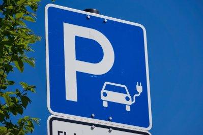 Ladesäule, Parkplatz