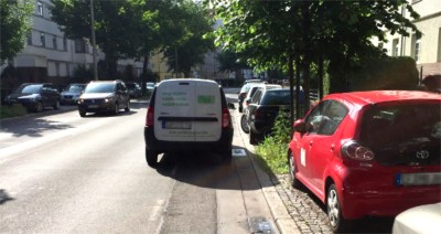 Zugeparkter Radweg |Thälmannstraße