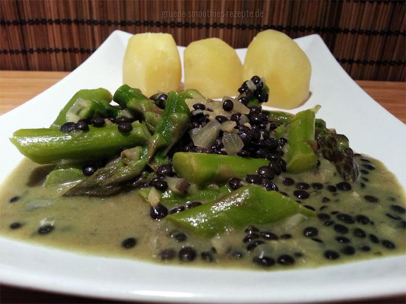 Belugalinsen-Kokos-Curry mit grünem Spargel