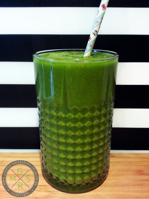 Yammie - Der cremige grüne Smoothie mit Postelein, Petersilie, Mango und Apfel
