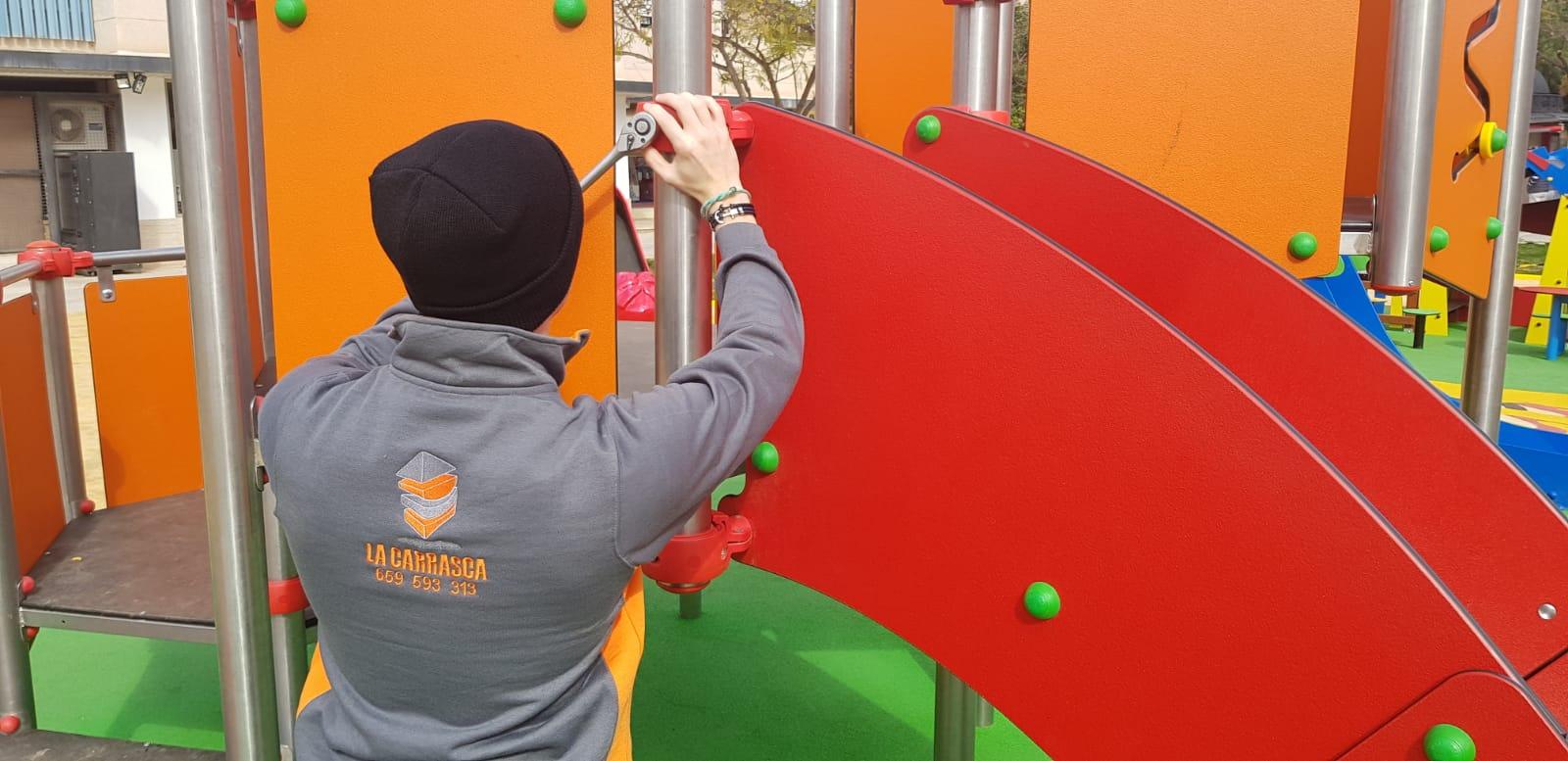 Mantenimiento Parques infantiles y caucho continuo