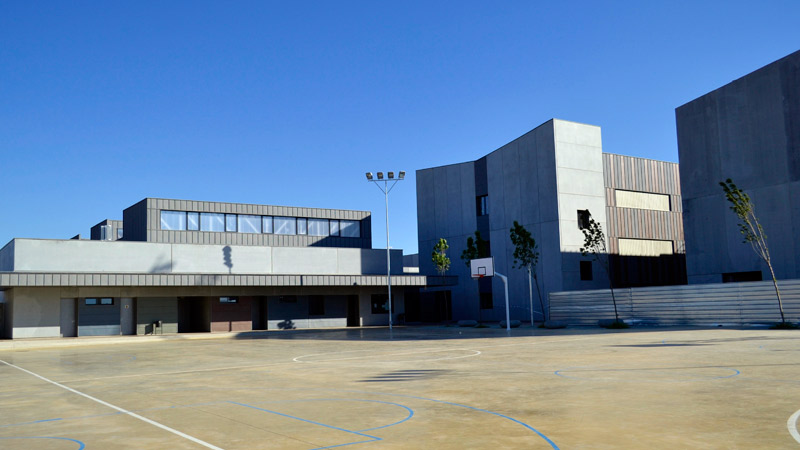 Secondary school including basic vocational training in la Puebla de Alfindén, Zaragoza.