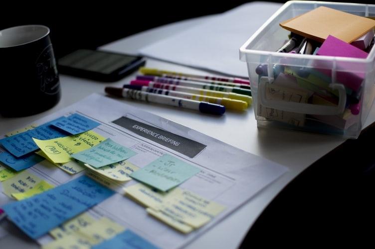Descubra como funciona o processo de planejamento e criação de embalagens