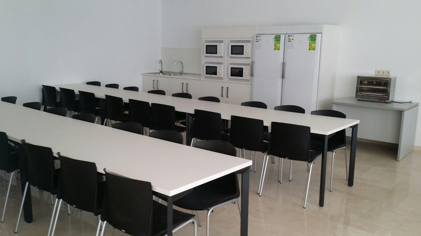 Mobiliario de oficina para un call center en Sevilla