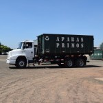 Caminhão com caçamba para acondicionamento