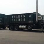 Caminhão com Julieta e Caçambas para Aparas