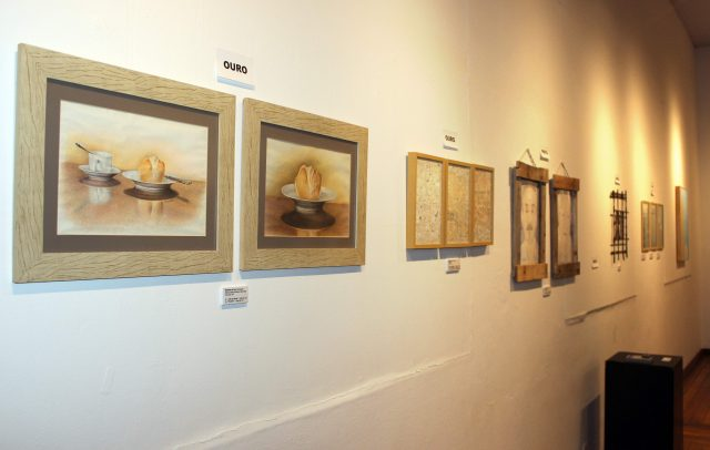 SalãodeArtesPlásticas tem obras expostas no Casarão da Cultura