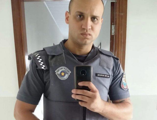 Soldado da PM que é morador de Piracicaba, salva criança que se afogou em piscina no Guarujá
